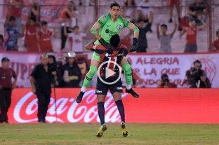 San Lorenzo eliminó a Huracán de la Copa de la Superliga -  -