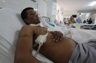 Víctor Sánchez y un pedido de  justicia que ya lleva tres años - Víctor Sánchez permaneció 20 días internado en el Hospital Cullen por un tiro en el pecho. Al salir, se enteró de que también había perdido su casa y todas sus pertenencias. -