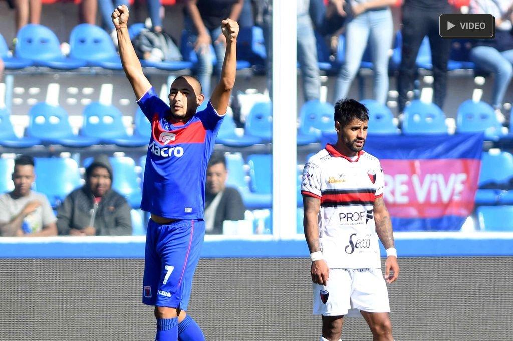 Colón perdió con Tigre y quedó eliminado de la Copa de la Superliga -  -