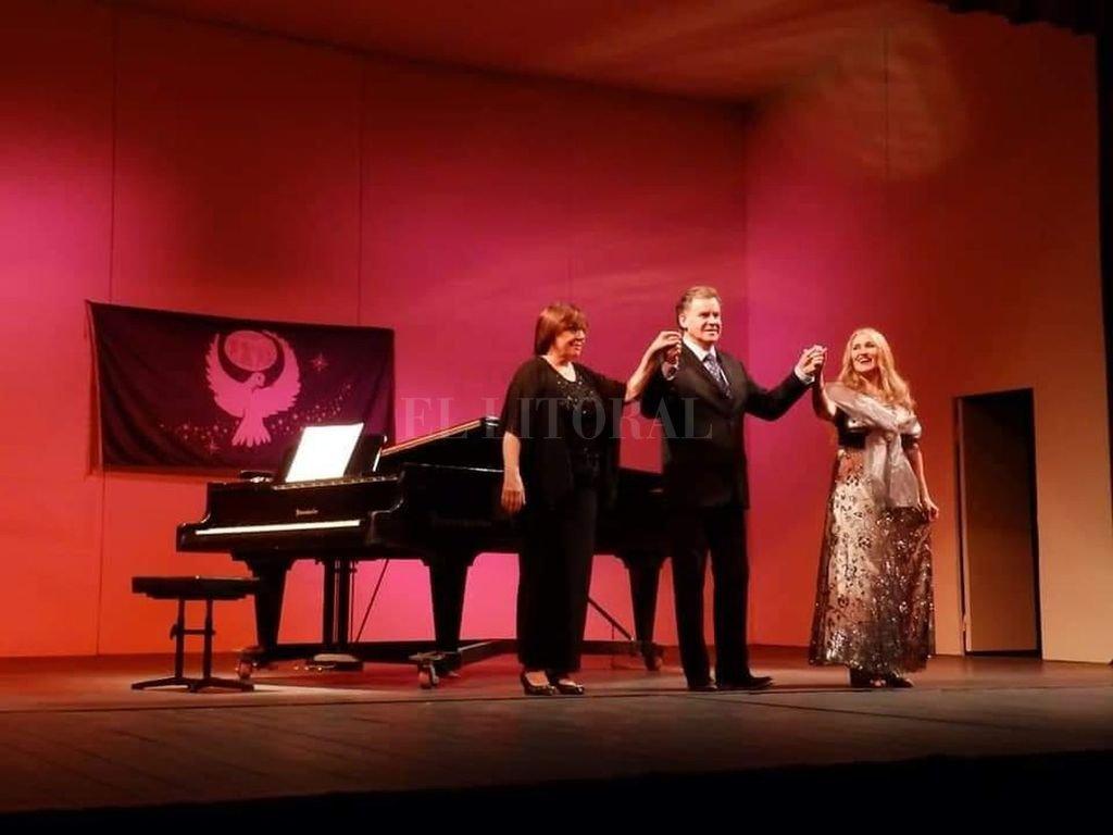 """Salmon, Caligaris y la pianista Zunilda Soncini, en el concierto """"Canciones de Amor"""". <strong>Foto:</strong> Gentileza Santa Fe Lírica"""