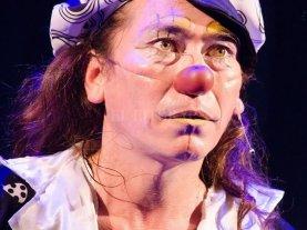 Adiós al capitán de los payasos  - El Trompa González caracterizado como payaso, fisonomía bajo la cual será recordado por el público y por los artistas que lo acompañaron en escena. -