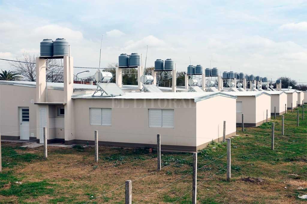 Entregaron 321 viviendas equipadas con calefones solares