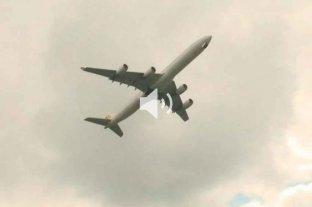 """Dos aviones estuvieron a punto de chocar en el aire y el piloto insultó a la controladora: """"Son unos inútiles"""" -"""