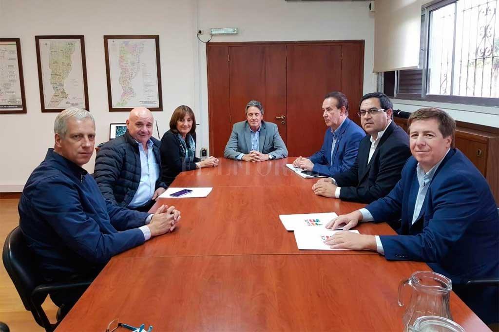 El gobierno santafesino firmó el respaldo económico para garantizar la vuelta de los vuelos a Reconquista