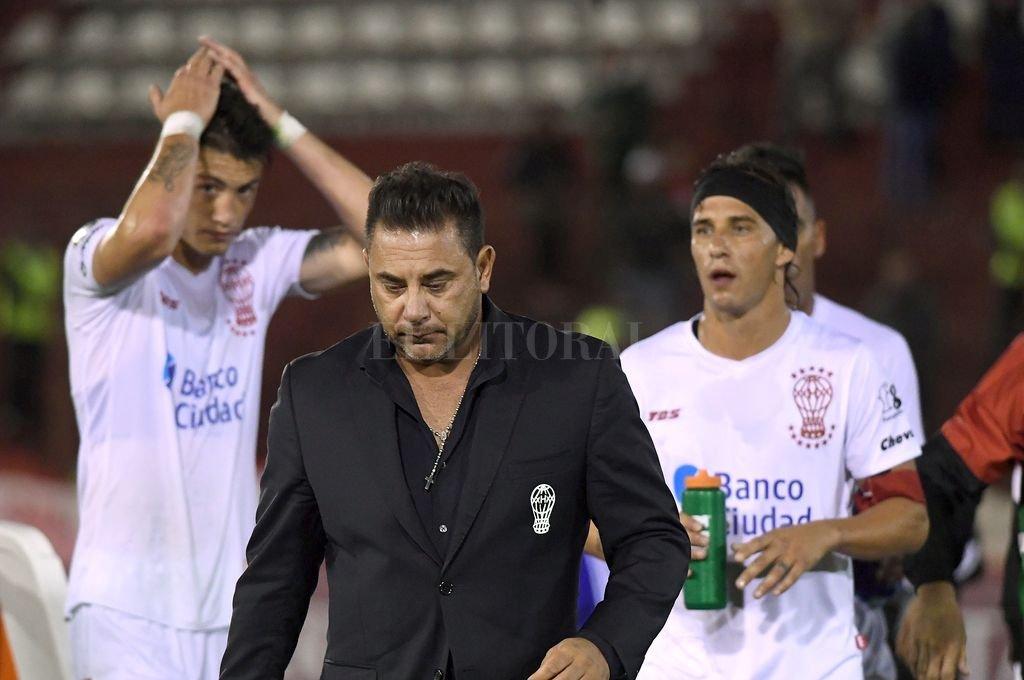 Huracán quedó eliminado de la Copa Libertadores tras perder con Emelec y renunció Mohamed