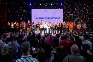 Simoniello y Henn cerraron la campaña con un acto masivo -  -