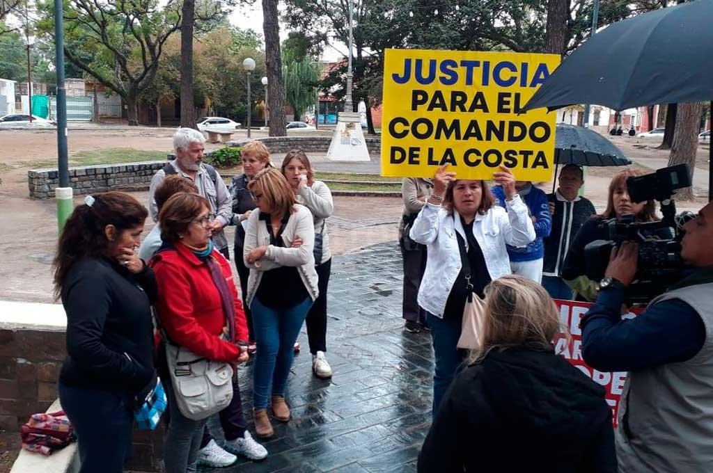 """Cuando los vecinos se autoconvocaron en la plaza Brigadier Estanislao López plantearon, entre otras cosas, que la droga es el principal motivo del estado en el que se encuentran los ladrones, cada vez que llevan a cabo un """"golpe"""".  Crédito: El Litoral"""