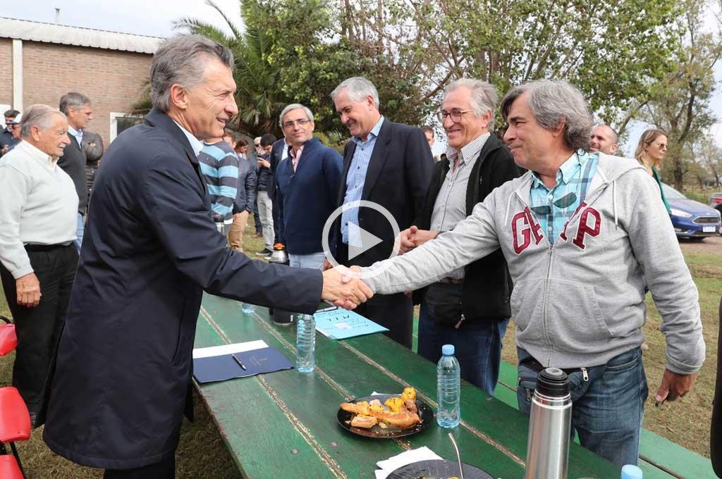 """Macri en Santa Fe: """"El mundo duda y por eso aumenta el riesgo país"""""""
