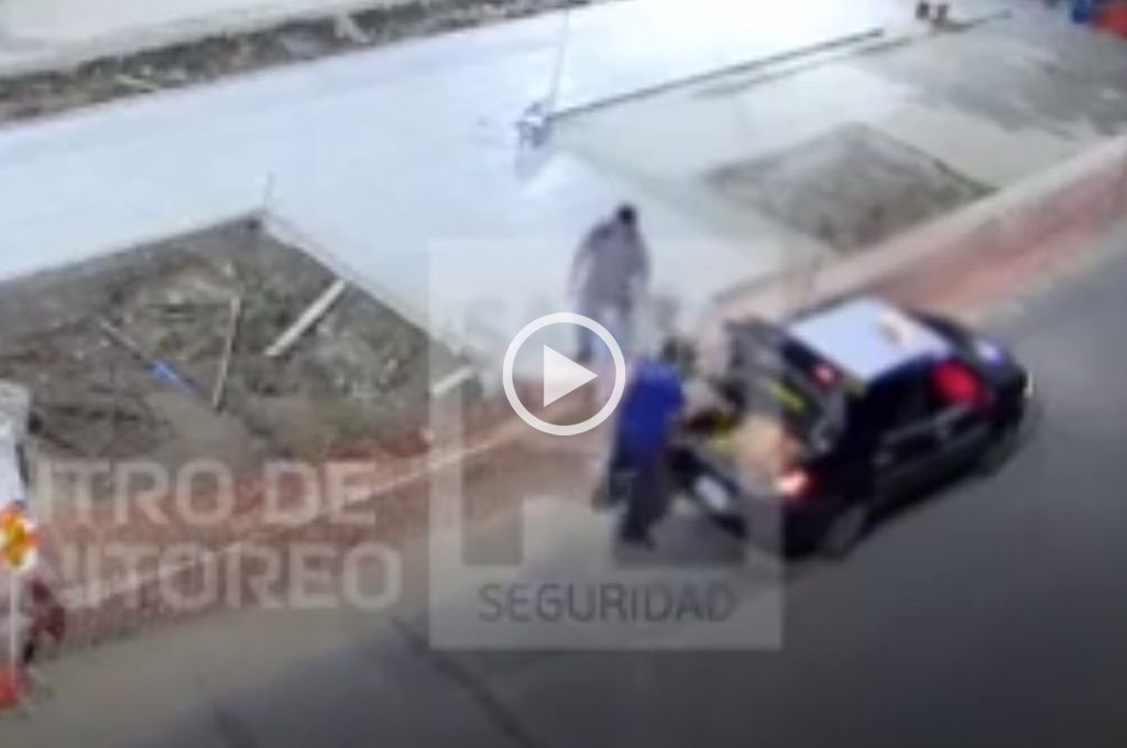 Video: así intentaban robarse bolsas de cemento del obrador de Av. Freyre