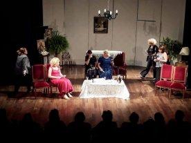 """Teatro para el fin de semana - Nueve mujeres y una boda"""" se gestó en el taller de Preparación del Actor que funciona en el Centro Friulano. -"""