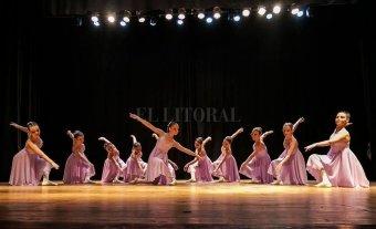 """""""Los espectadores encontrarán mucho talento, profesionalismo y pasión"""" - Durante el desarrollo de la gala, pasarán artistas de distintas edades que desplegarán sus trabajos, centrados en un amplio abanico de géneros, que van desde la danza clásica hasta propuestas más contemporáneas. -"""