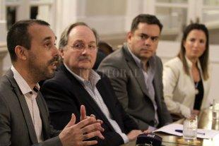 Relanzamiento y disertación en la Bolsa de Comercio de Santa Fe