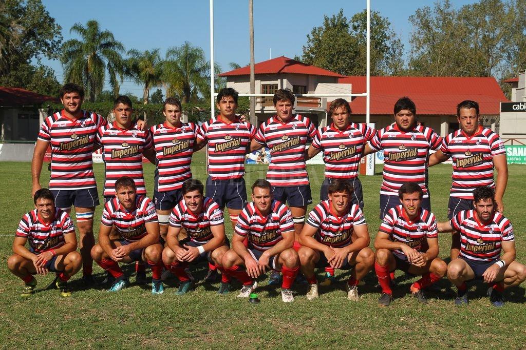 Santa Fe Rugby Club. Una de las alineaciones titulares utilizadas en la fase inicial del vigésimo Regional del Litoral. Crédito: Pablo Aguirre
