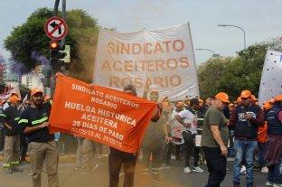 La agroindustria de exportación repudió los piquetes frente a las plantas y puertos en el Gran Rosario