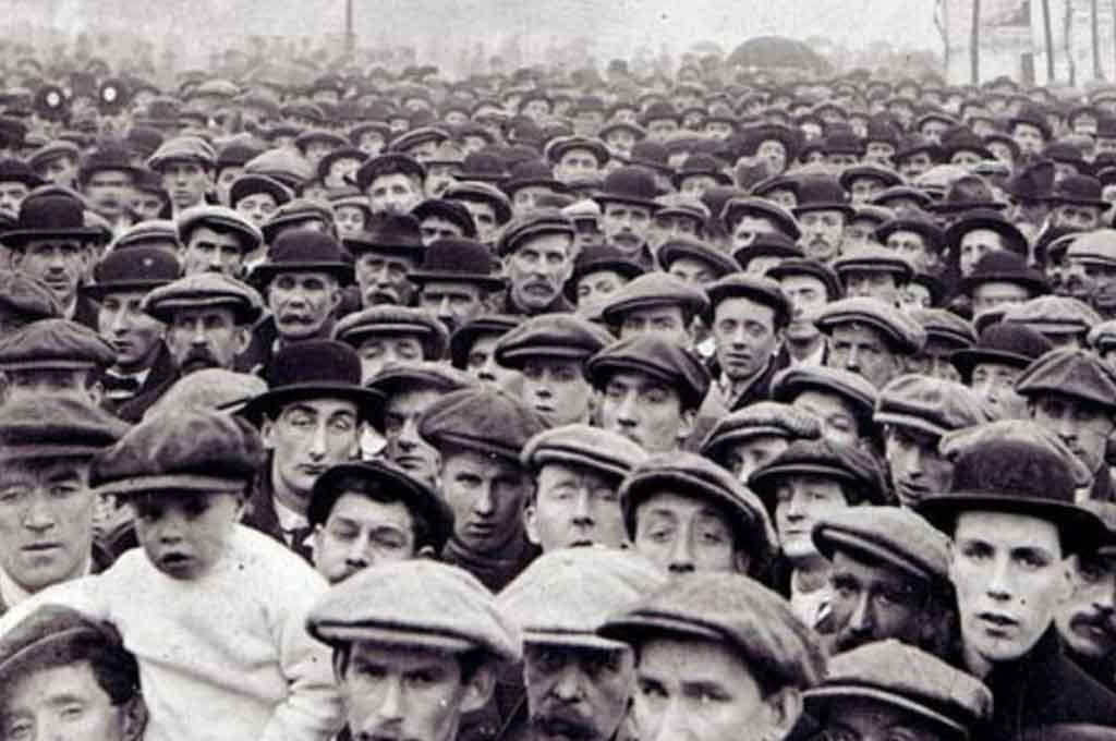 El 1° de Mayo de 1886, más de 200,000 obreros iniciaron una huelga en Estados Unidos, para obtener un <strong>Foto:</strong> Archivo.