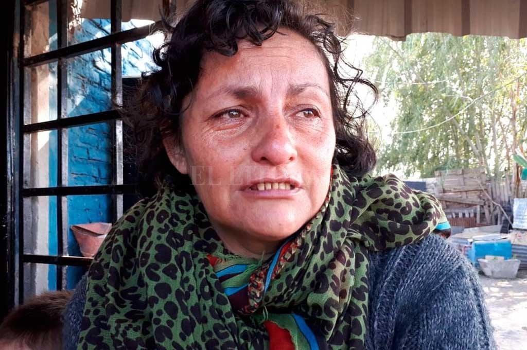 """""""Pedimos auxilio y la policía vino, pero se nos rieron y se fueron"""", dijo Alejandra Takemura (madre de la víctima fatal) a El Litoral <strong>Foto:</strong> Danilo Chiapello"""