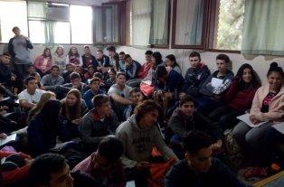 Preocupa el hacinamiento de alumnos en las aulas del ISEF
