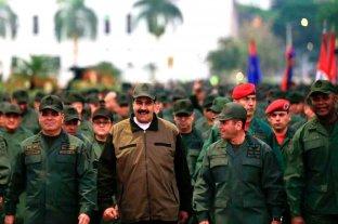 """Maduro advierte que las fuerzas armadas están listas para luchar contra """"un puñado de traidores"""""""