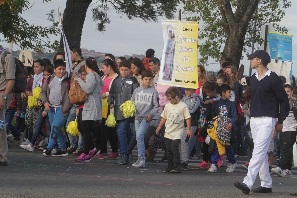 En la mañana de ayer se realizó la peregrinación de los niños, una de las postales más coloridas de la festividad. Crédito: Guillermo Di Salvatore