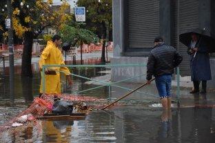 Un temporal desde la madrugada causó anegamientos en la ciudad