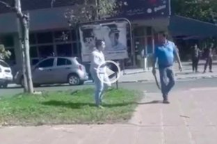 Relato salvaje en Paraná: un automovilista corrió a machetazos a un motociclista