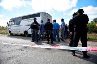 Emboscaron a un colectivo del Servicio Penitenciario: varios presos fugados y policías heridos