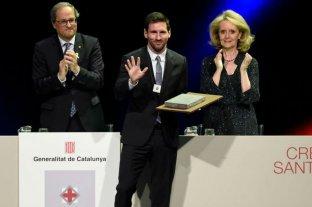"""Messi recibió del gobierno catalán la Cruz de Sant Jordi por su """"humildad y honestidad"""""""