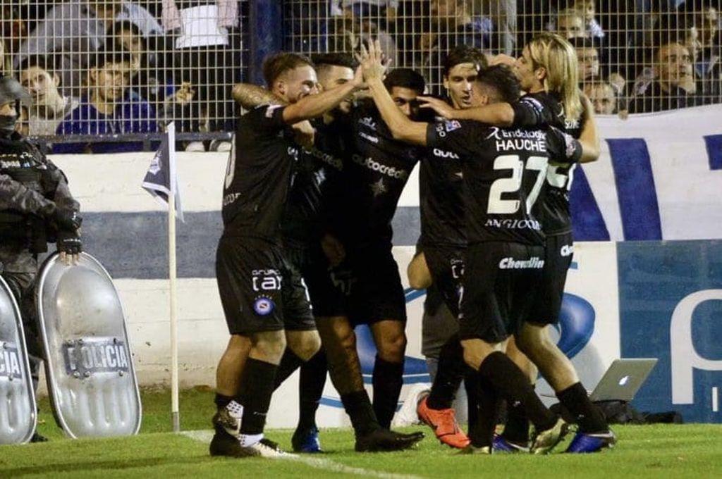 Argentinos Juniors venció a Gimnasia y es semifinalista