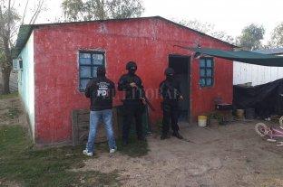 Detienen a seis personas y secuestran marihuana en el barrio Nueva Tablada