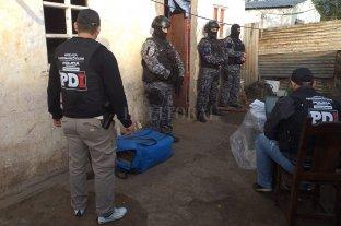 Detienen a seis personas y secuestran marihuana en el barrio Nueva Tablada -