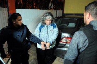Obligaban a fieles evangélicos a vender sus casas, vivir hacinados y trabajar gratis - Una de las detenidas en La Matanza. -