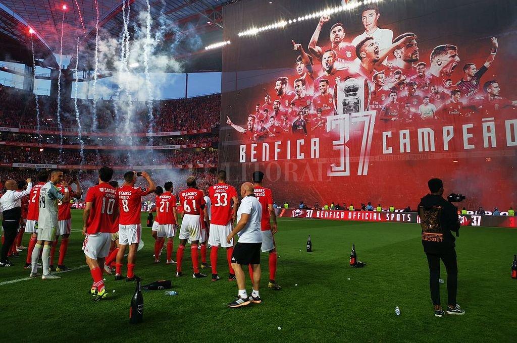 """El """"Flaco"""" Conti se consagró campeón en Portugal con el Benfica"""