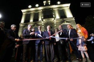 La Casa de la Cultura reabrió sus puertas a todos los santafesinos - El gobernador encabezó el acto de inauguración de las remodelaciones de la Casa de la Cultura. -