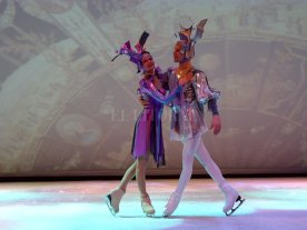"""El Ballet Estatal de San Petersburgo sobre hielo presenta """"El lago de los cisnes"""" - Esta compañía es sucesora de las tradiciones notables de la escuela del Ballet clásico de San Petersburgo. -"""
