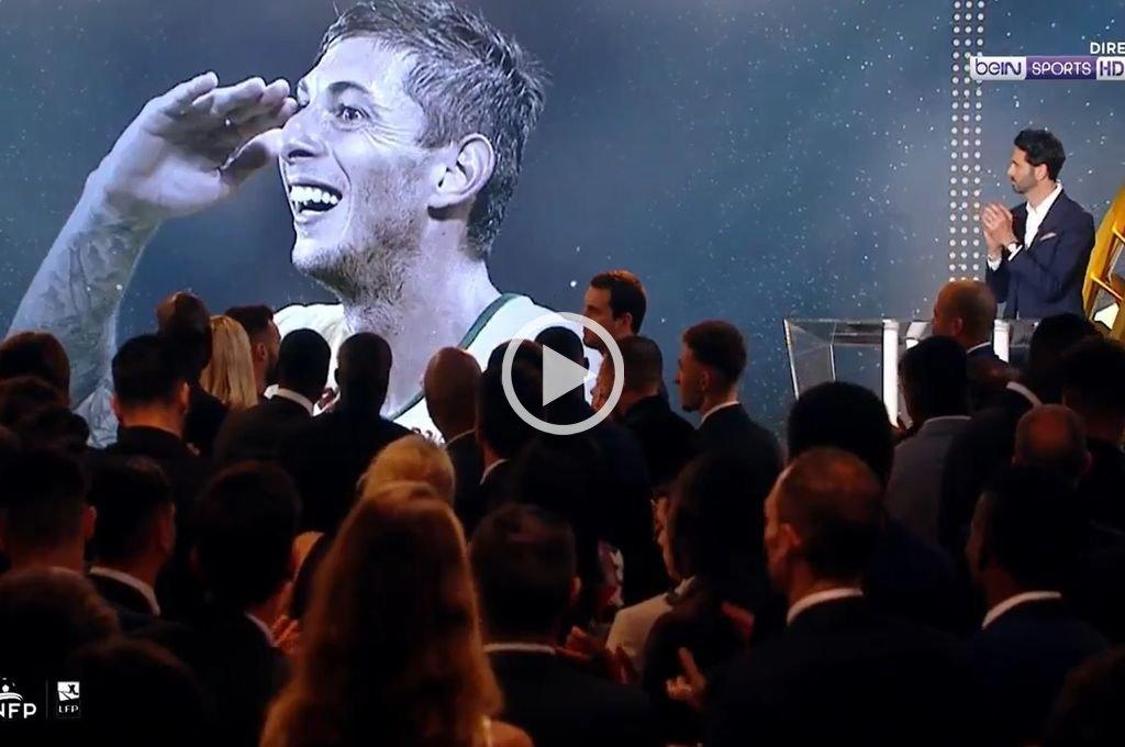 Emotivo homenaje a Emiliano Sala en los premios a lo mejor del fútbol francés