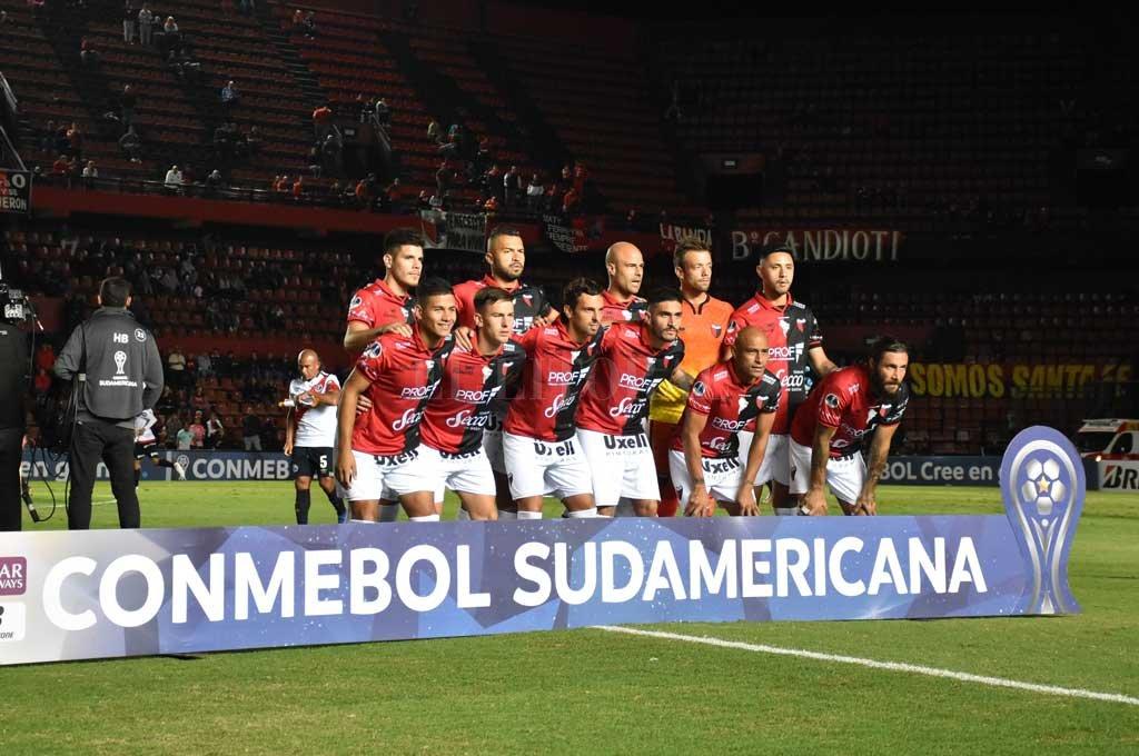 El equipo que formó ante Deportivo Municipal Crédito: Manuel Fabatia