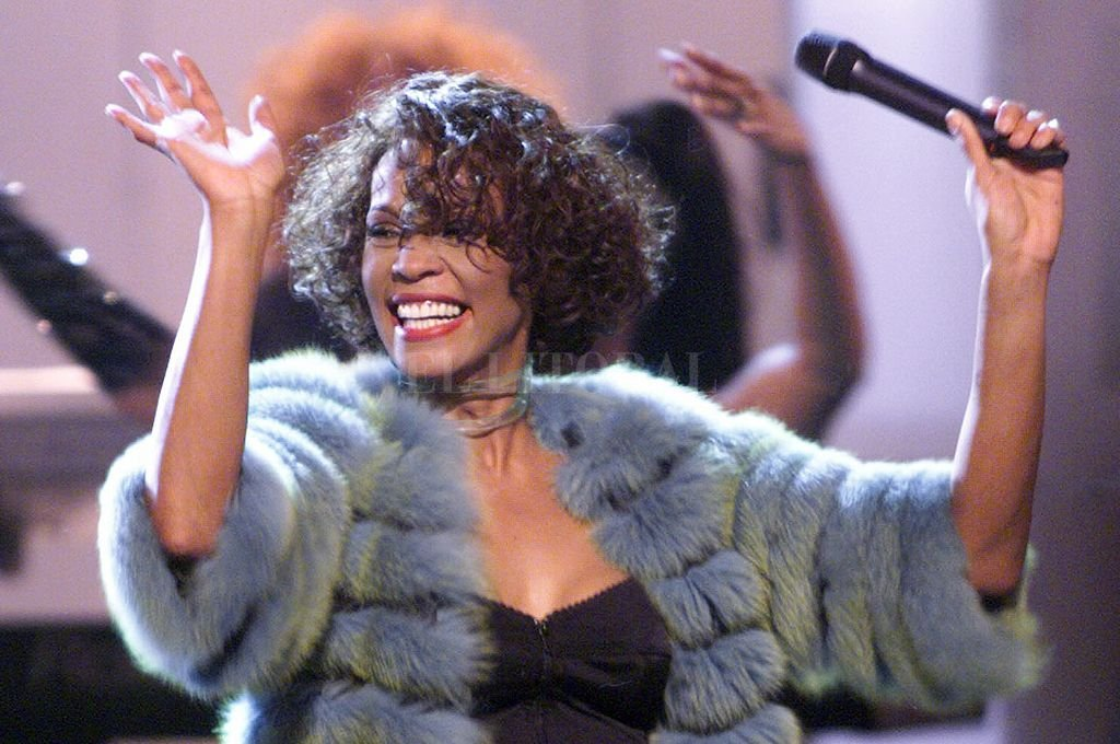 Quieren revivir a Whitney Houston