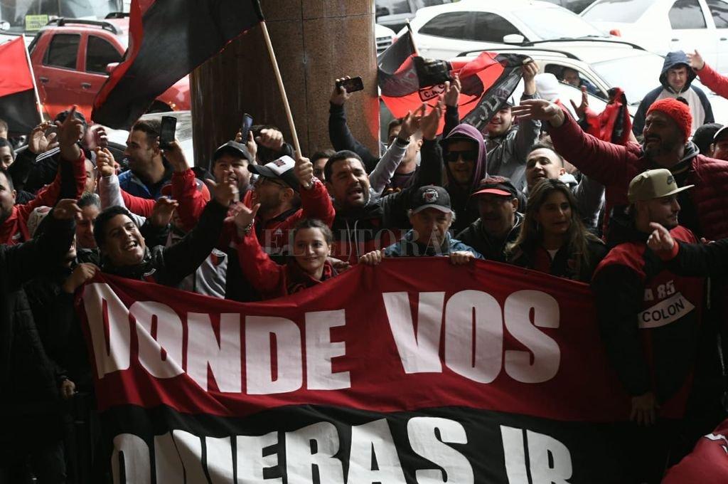 Banderazo sabalero en Montevideo