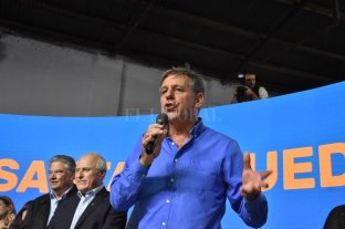 """Camino a la intendencia, Emilio Jatón firmó su """"compromiso"""" para la ciudad  -  -"""