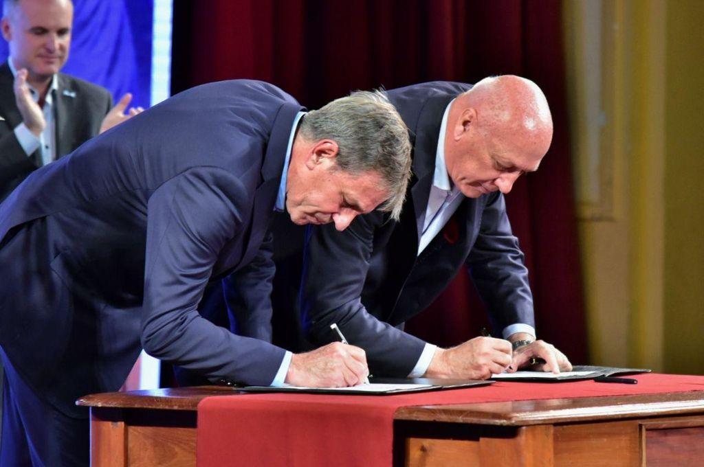"""Bonfatti y Jatón firmaron su """"compromiso"""" con la ciudad"""