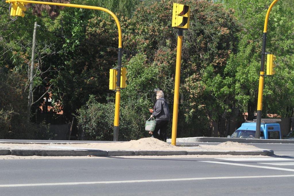 Ruta N° 1: dos ofertas para nuevos cruces peatonales y semaforización