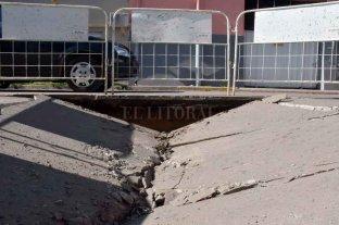 Se hundió el asfalto en calle Urquiza -