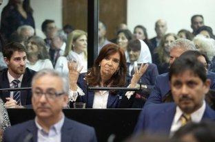Cristina Kirchner pidió no concurrir el lunes a la segunda audiencia del juicio oral -  -