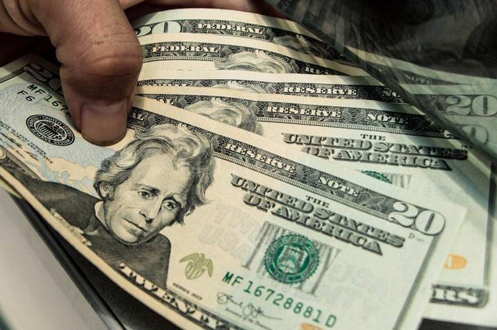 El dólar subió 21 centavos