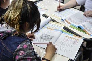 Estudiantes de secundaria santafesinos: aprobados en Lengua y retroceso en Matemática -  -
