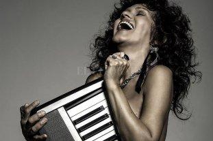 """Cristina Dall: """"Ella es blues"""" - Luego de su éxito con Las Blacanblues, hoy tienen seis discos solistas editados y es un referente del género. -"""