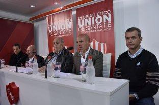 Spahn anunció que arregló la continuidad de Madelón - Luis Spahn en la mesa principal junto a Fabián Brasca, Jorge Molina, Edgardo Zin y Rafael Pérez Del Viso. -