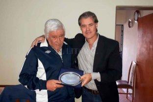 La ciudad de Gualeguaychú homenajeó a Cococho Álvarez -  -