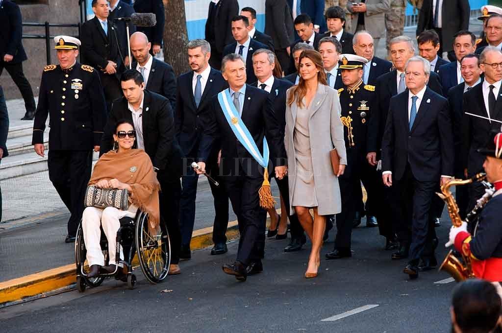 """Ante Macri, Poli pidió """"un gran pacto nacional sin intereses sectoriales"""" -  -"""