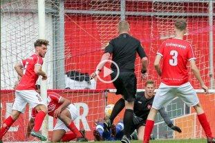Insólito: Un árbitro marcó un gol en el fútbol holandés